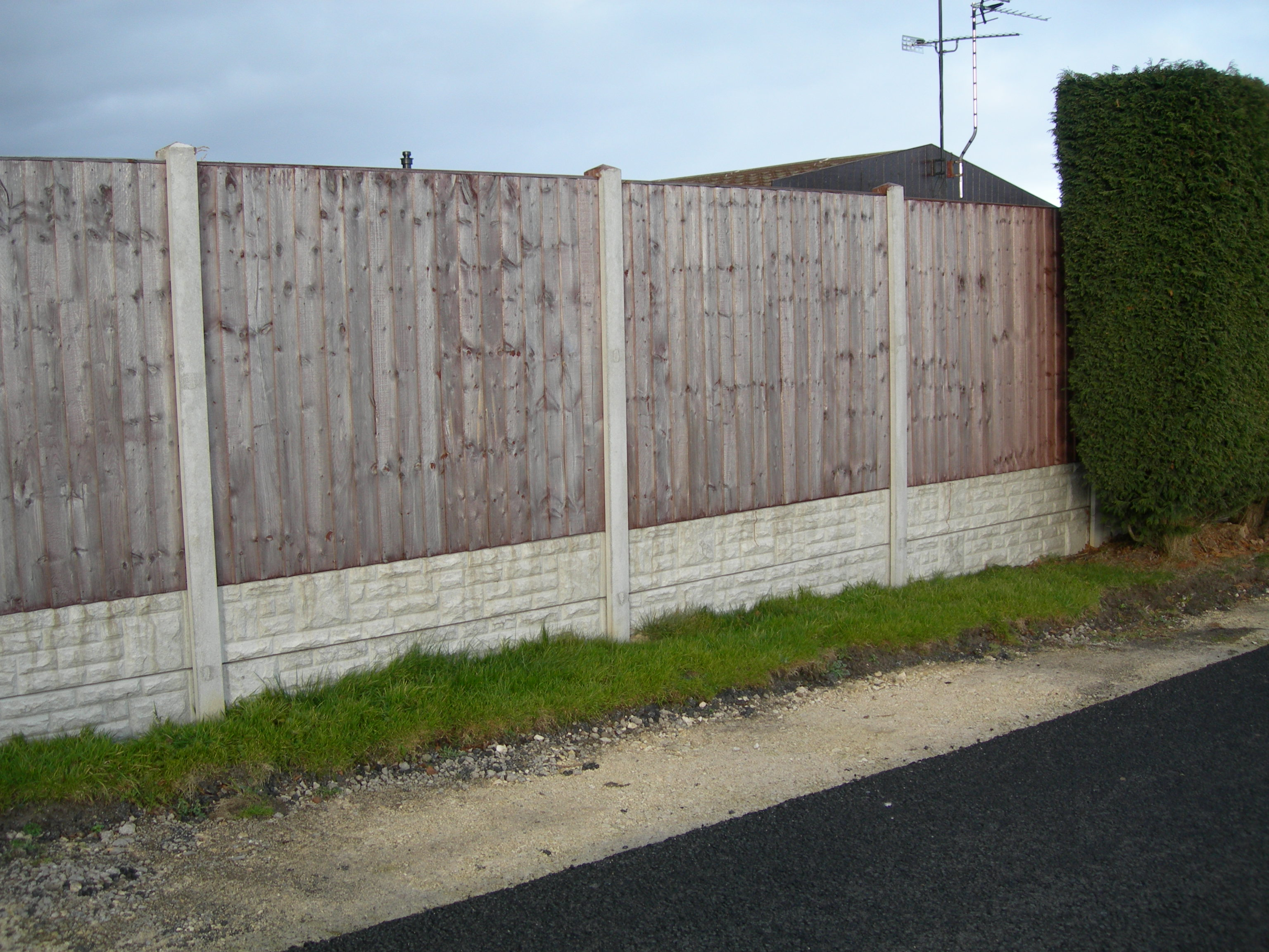 Painting Gravel Boards Posts And Gravel Boards